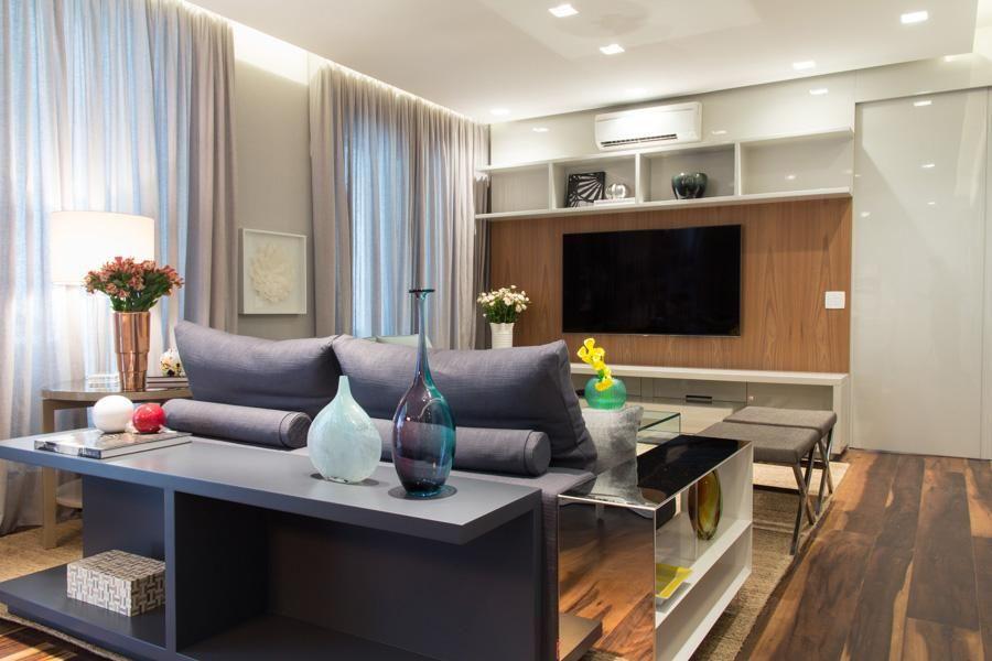 aparador de sofá - sala de estar com aparador e vaso