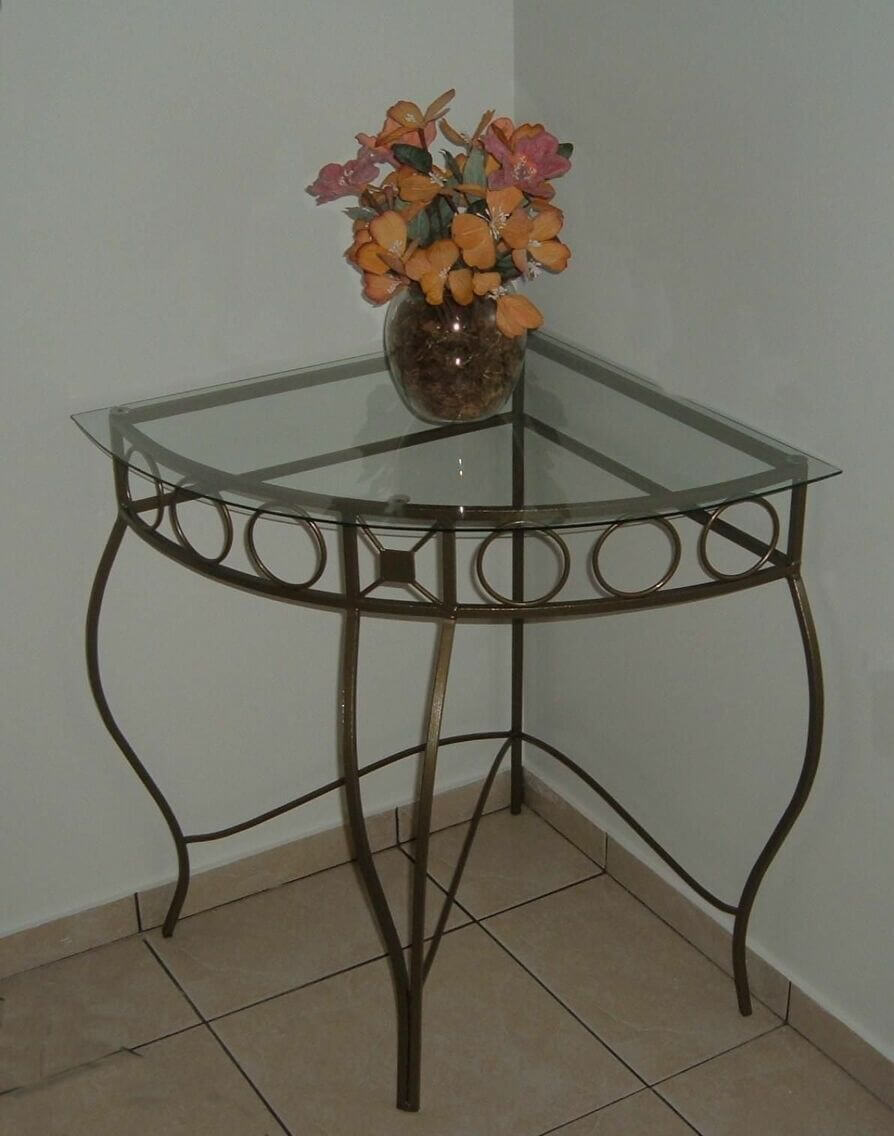 aparador de vidro - aparador metálico com base de vidro e vaso florido