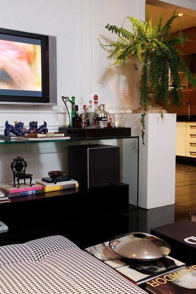 aparador de vidro - sala com aparador de vidro com bar