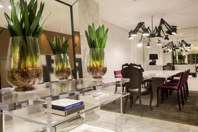 aparador de vidro - sala de jantar com aparador de vidro com prateleiras
