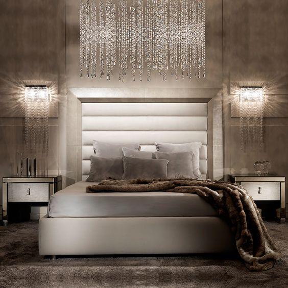 arandela para quarto - quarto com arandela e lustre de cristal