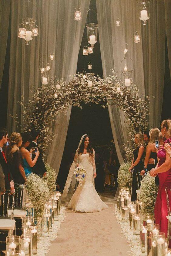 Arco de flores para casamento clássico