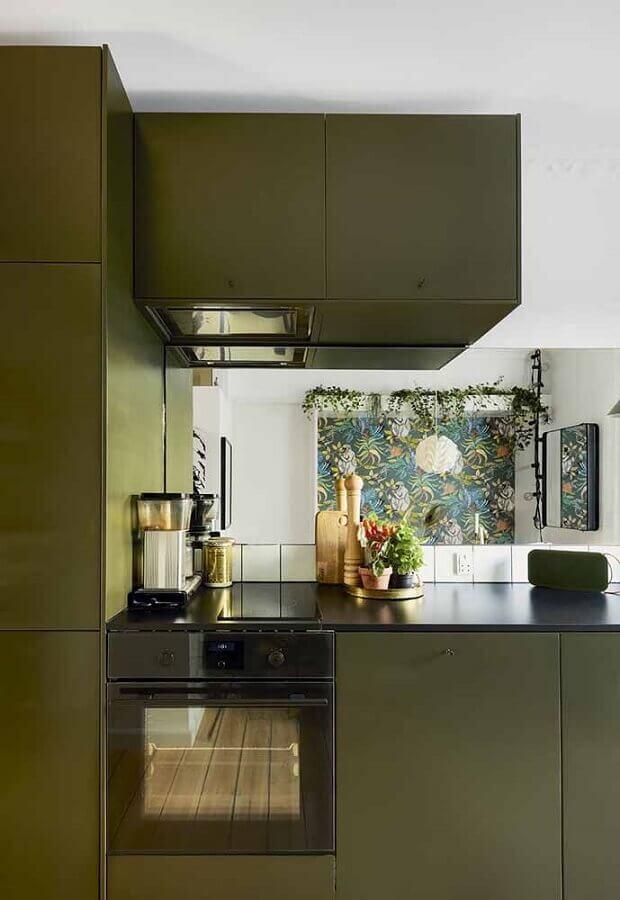 armário de cozinha planejada na cor verde musgo  Foto Pinterest
