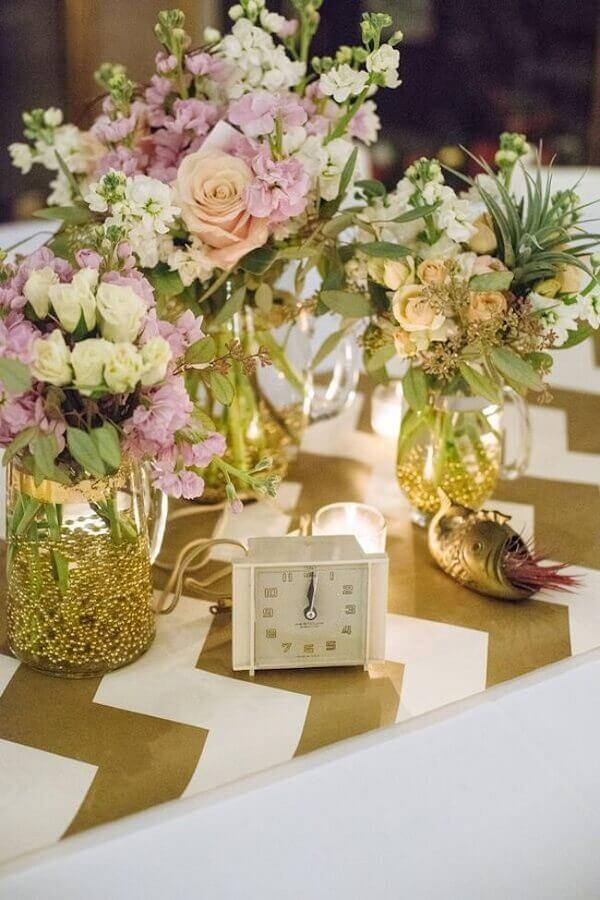 arranjo de flores para decoração de réveillon Foto Casa e Festa