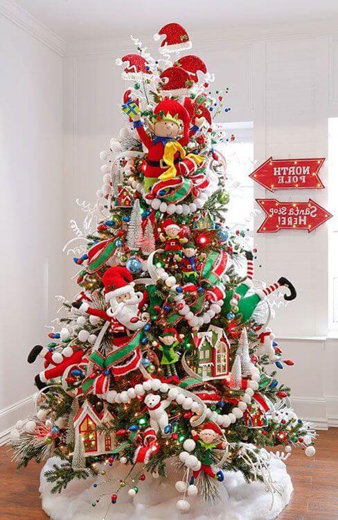 Árvore de natal com papai noel