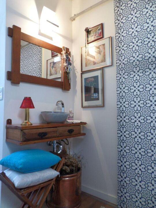 balcão para banheiro - cuba sobreposta em madeira simples