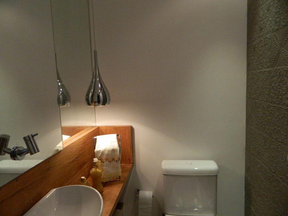 balcão para banheiro - lavabo com bancada simples de madeira