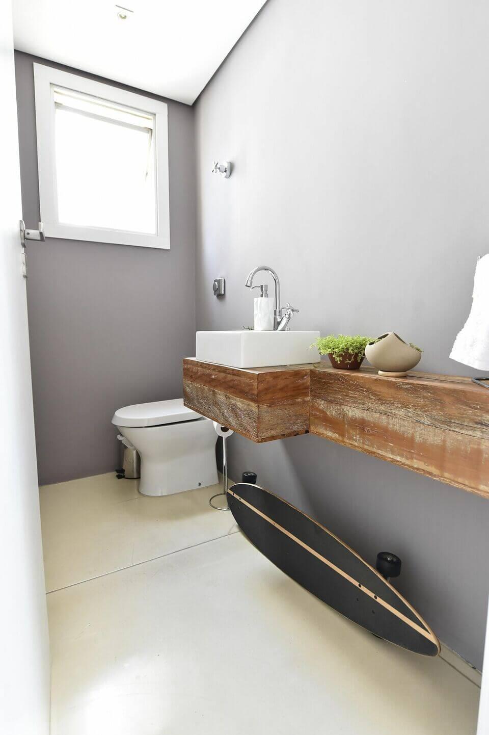 balcão para banheiro - lavabo com cuba quadrada e balcão rústico