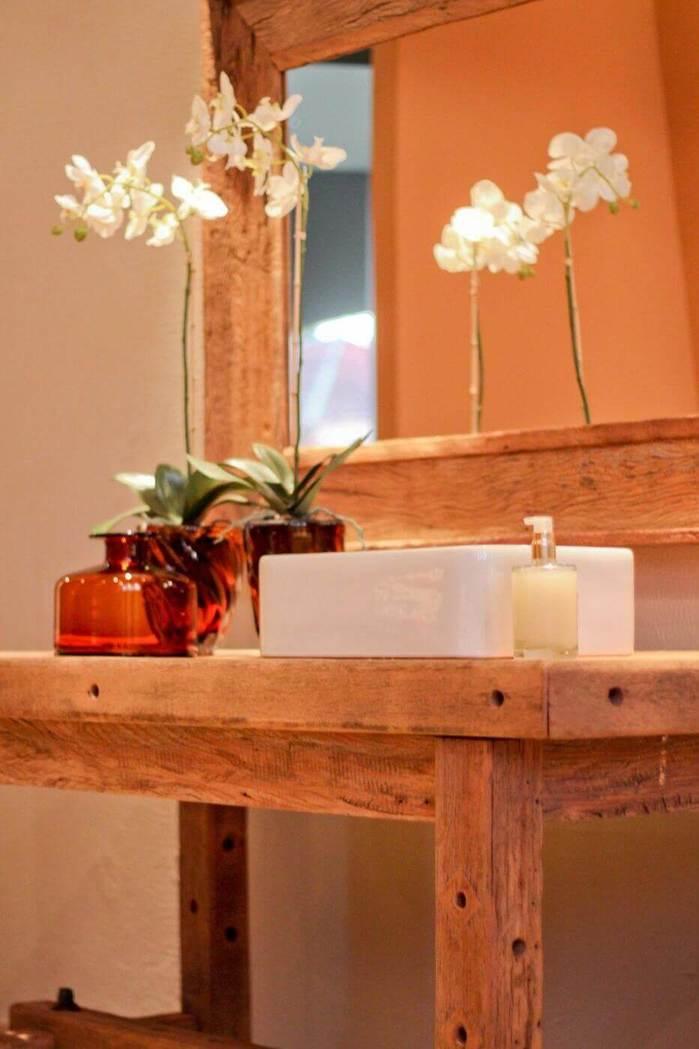 balcão para banheiro - lavabo de madeira com cuba de porcelana