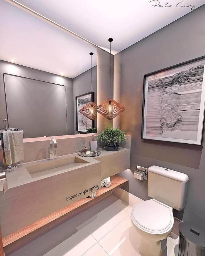 banheiro cinza decorado com pendente moderno Foto Paola Cury