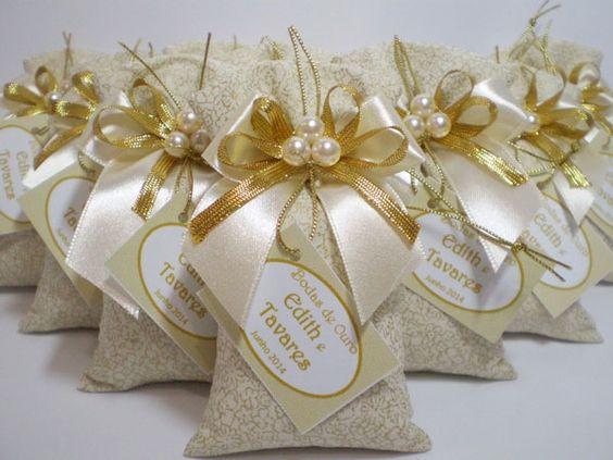 bodas de ouro - lembrancinhas com doces