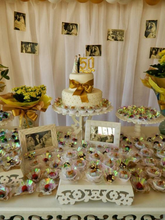 bodas de ouro - mesa de doces com tema de boda