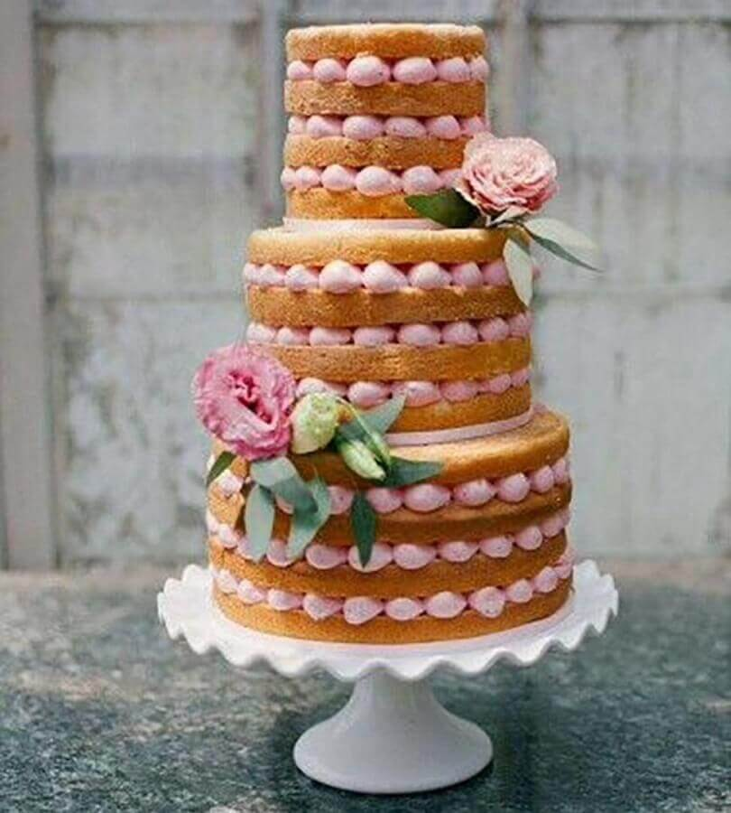 bolo de casamento 3 andares decorado com rosa Foto Casamentos