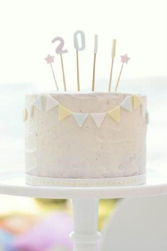 bolo decorado para festa de réveillon Foto Pinterest