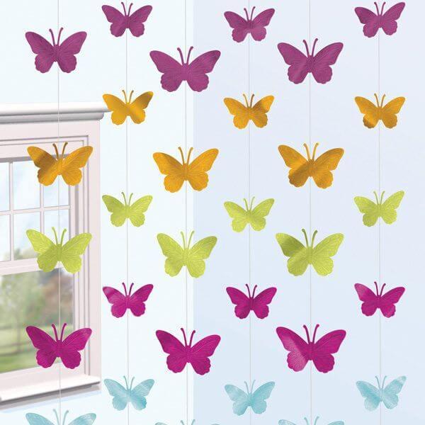 Borboletas de papel na cortina