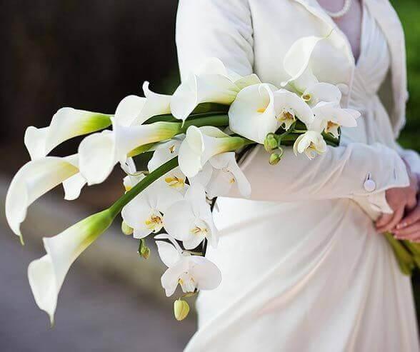 Buquê de noiva com as flores para casamento