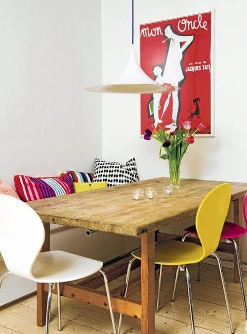 cadeira colorida de canto alemão
