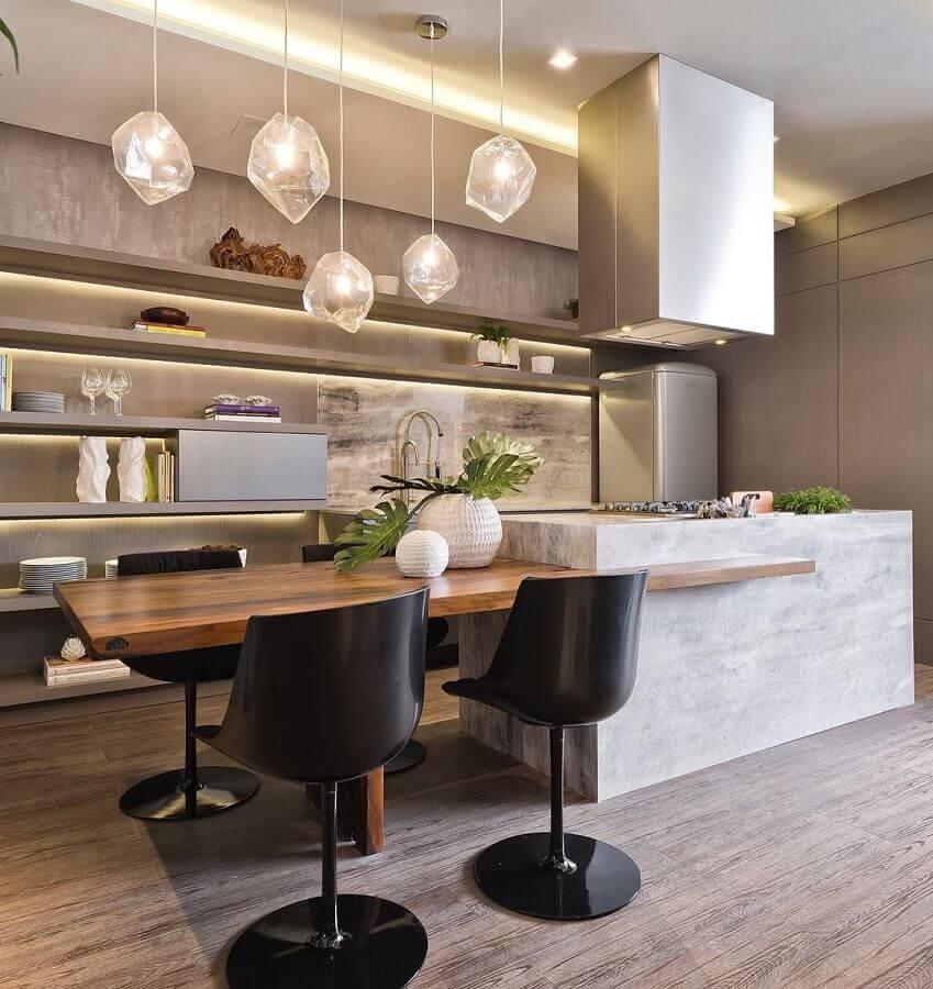 cadeira giratória para cozinha moderna com pendentes e ilha Foto Pinterest