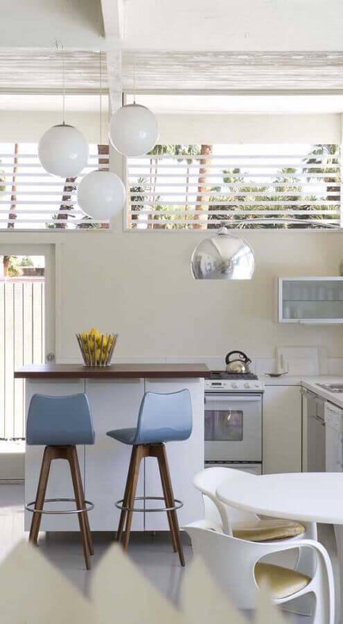cadeira giratória para cozinha planejada toda branca Foto Casas Pré Fabricadas