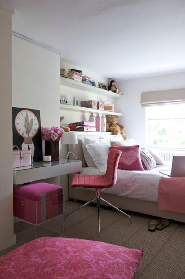 cadeira giratória para quarto rosa e branco Foto Interior God