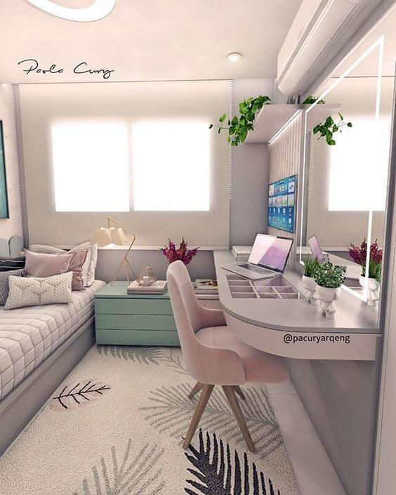 Cadeira para quarto com escrivaninha para notebook
