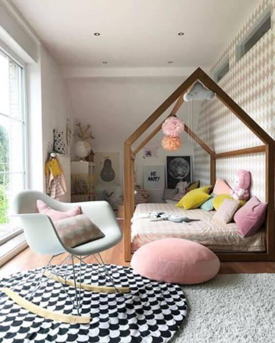 Cadeira para quarto infantil confortável e colorido