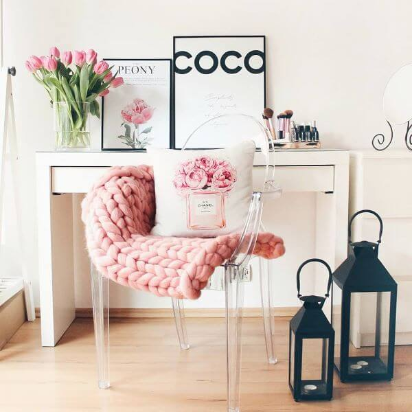 Cadeira para quarto feminino de acrílico