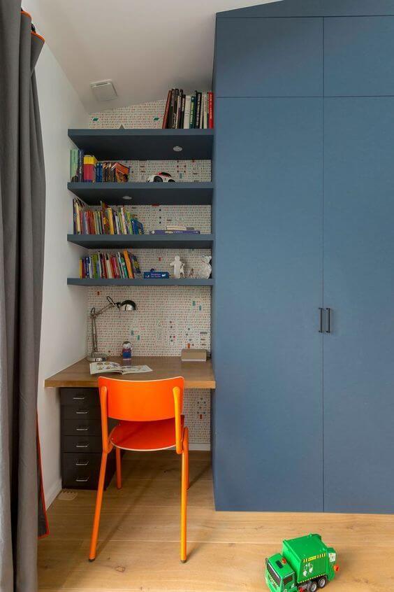 Cadeira para quarto infantil laranja