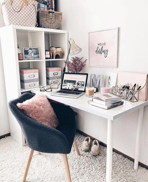 Cadeira para quarto moderna com almofada colorida