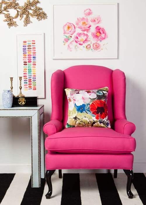 Cadeira rosa para quarto na cor pink