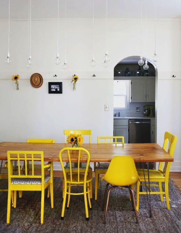 cadeiras amarelas