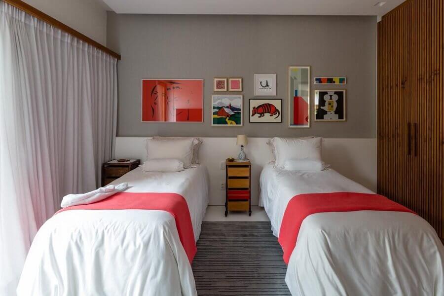 cama box solteiro com colchão Foto Antônio Ferreira Junior e Mário Celso Bernardes