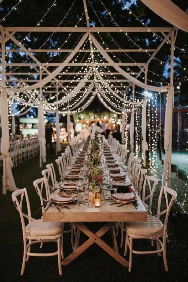 casamento no campo a noite decorado com cortina de luzinhas Foto 33Decor