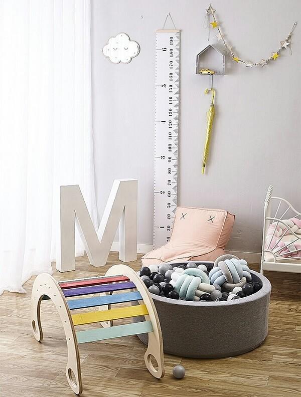 A almofada de nó traz diversão e conforto para as crianças