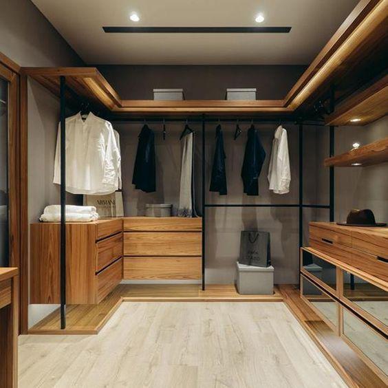 closet aberto - closet de madeira envernizada