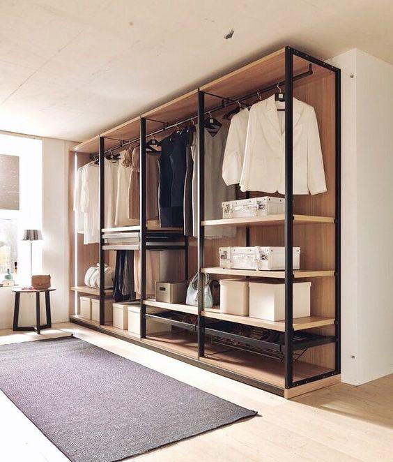 closet aberto - closet grande preto e madeira