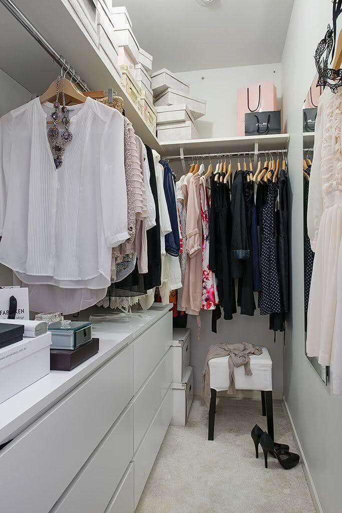 Closet feminino pequeno