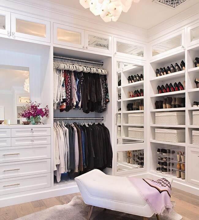 Closet feminino com chaise