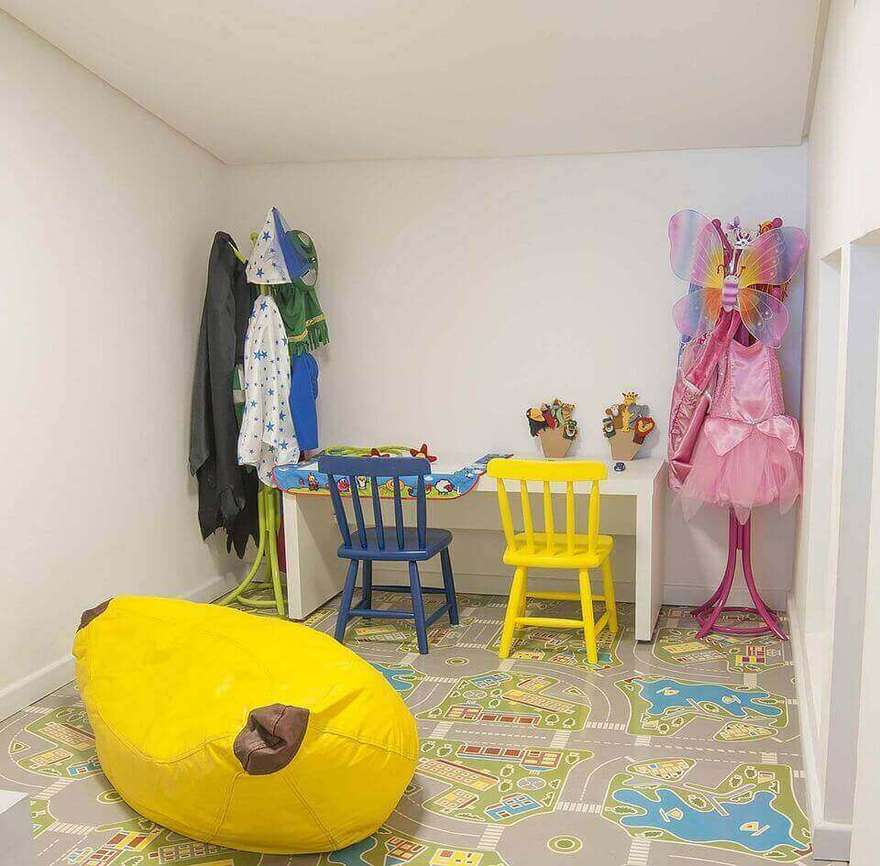cor amarela - puff amarelo