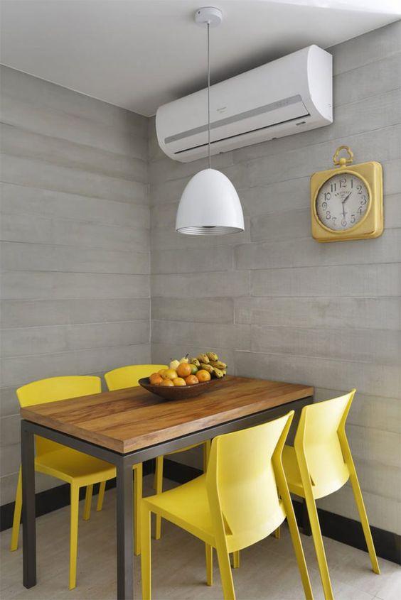 cor amarela - sala de jantar com cadeiras amarelas