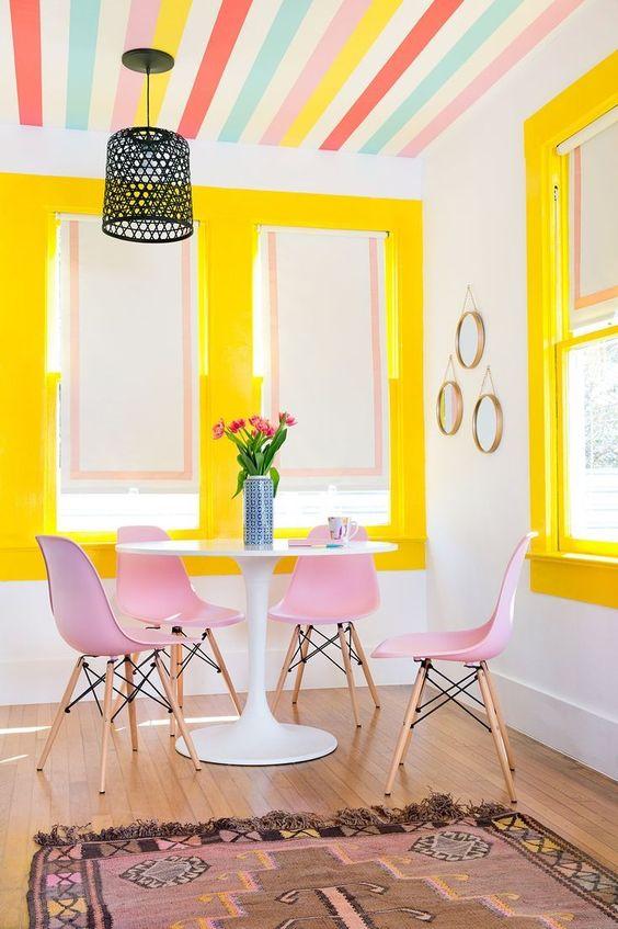 cor amarela - sala de jantar com tons de amarelo e rosa
