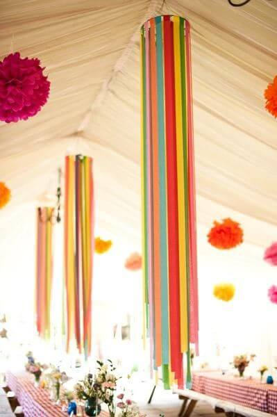 cortina de papel crepom colorida