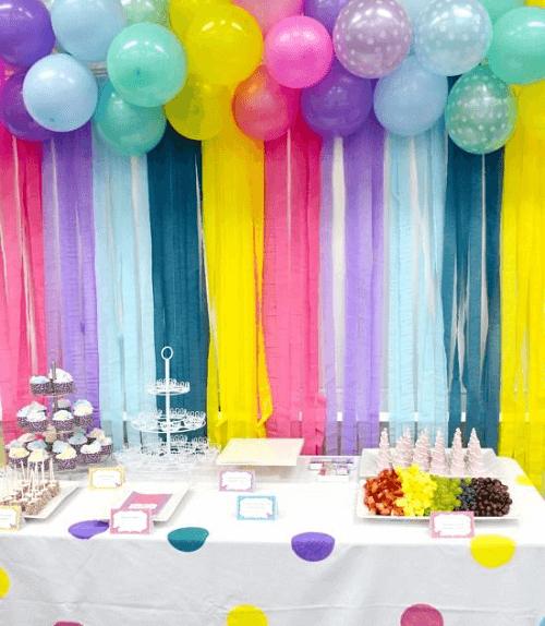 cortina de papel crepom para festa de aniversário