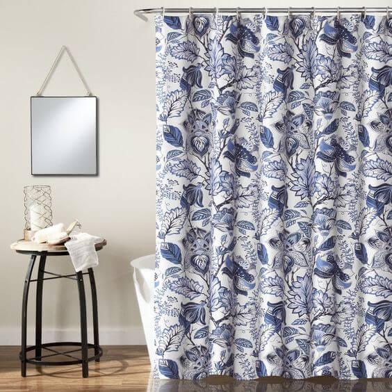 cortina para banheiro - cortina com flores azuis