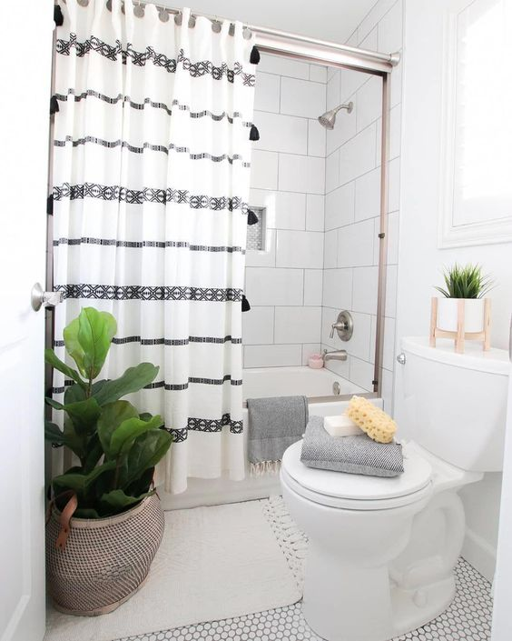 cortina para banheiro - cortina listrada branca e preta