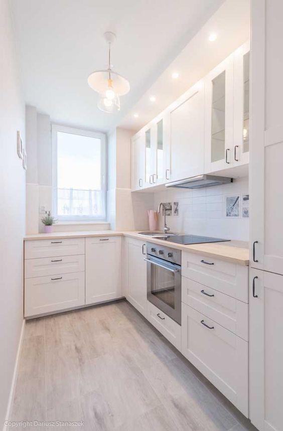 Cozinha com móveis modulados para estilo escandinavo