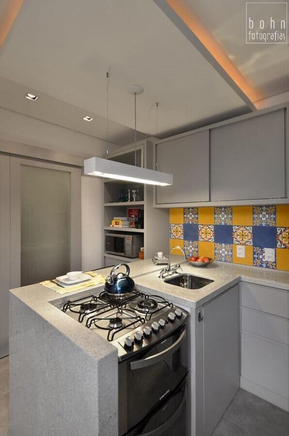 cozinha pequena com bancada Foto Pinosy