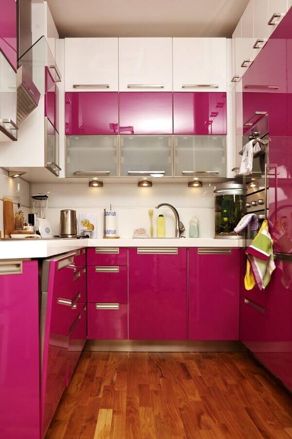 cozinha rosa choque pequena Foto My Visual Home