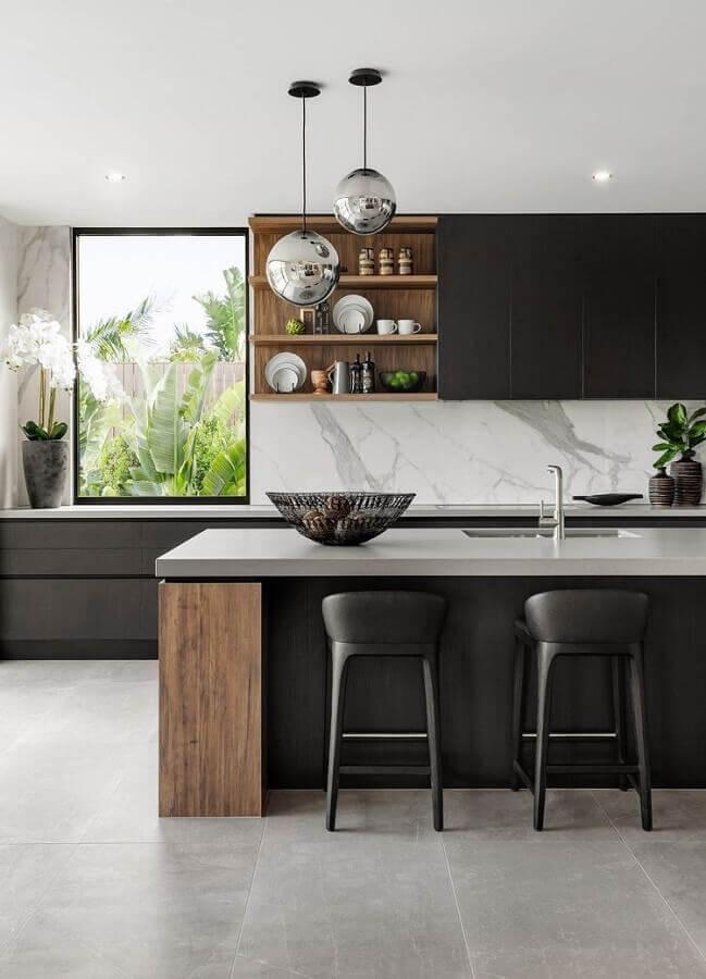 cozinhas modernas com bancada e armários planejados Foto Keep Decor
