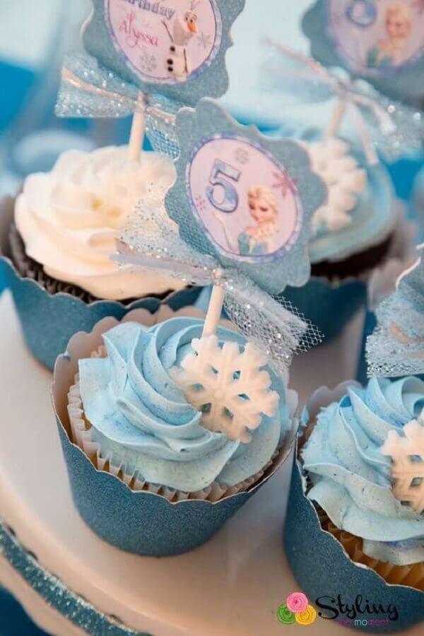 cupcake decorado para festa infantil da frozen Foto Why Santa Claus